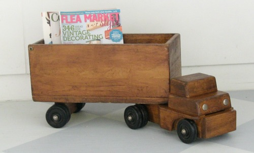 Unique idea for upcycling an old toy truck