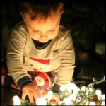 Tips for taking Christmas photos of your toddler
