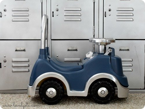 Ugly plastic car saved by spray paint