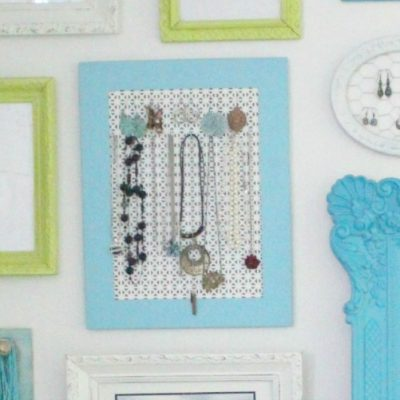 Super simple jewelry holder