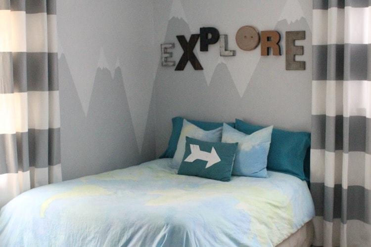 A mountain mural for the little explorer lovely etc for Mural headboard