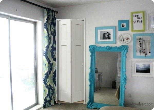 bifold doors at bathroom