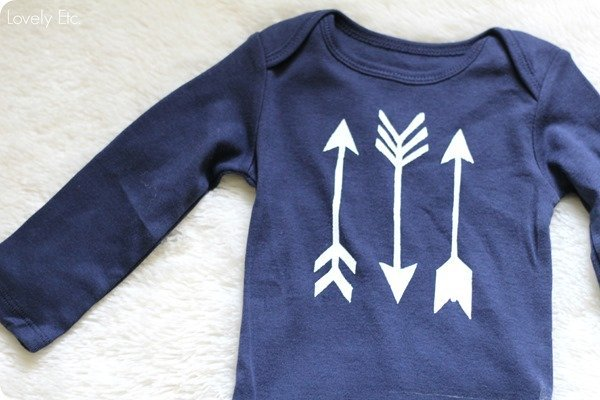 DIY arrow onesie