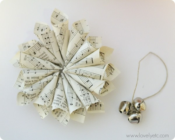 mini music wreath