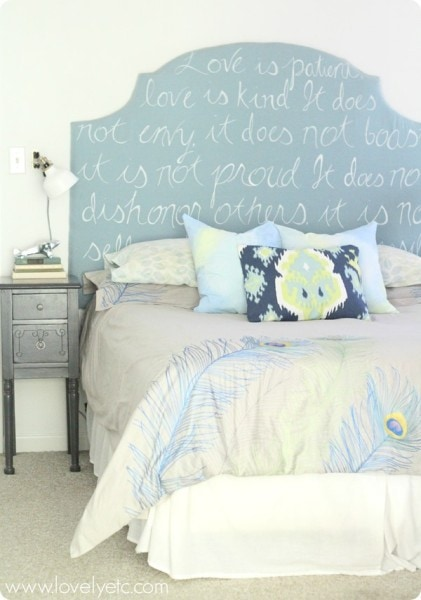 DIY-upholstered-headboard-with-colorful-bedding_thumb.jpg