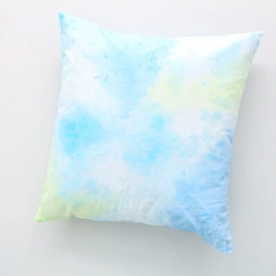 How to Paint Pretty Watercolor Pillows