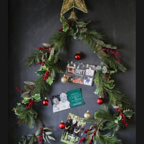 Christmas-tree-card-display