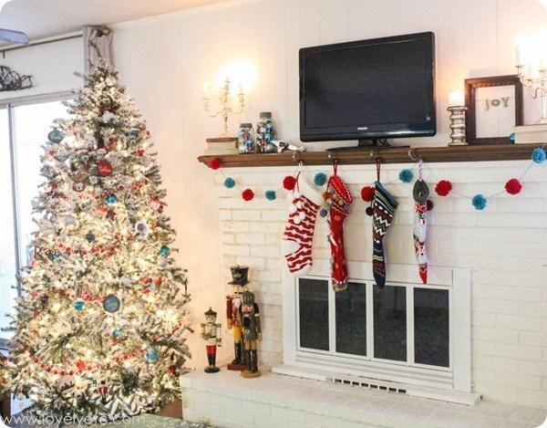 aqua and red Christmas decor.
