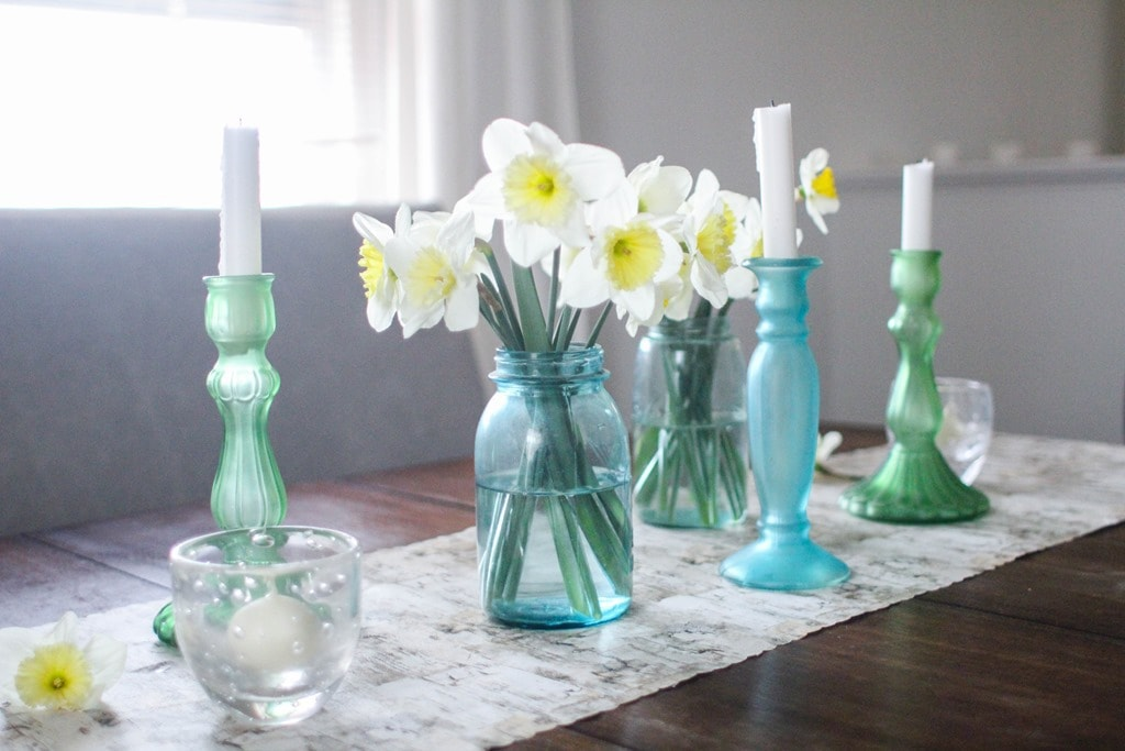 img5484 spring table with daffodils in mason jars and cheap table runner