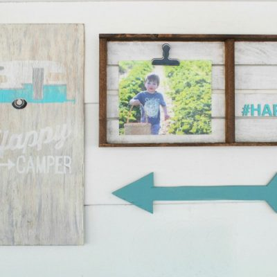 Simple pallet photo display