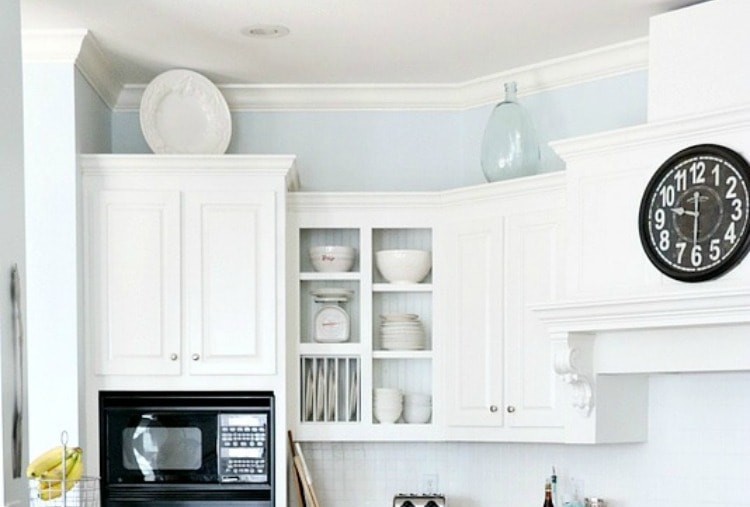 15 amazing ways to redo kitchen cabinets lovely etc for Pros and cons of white kitchen cabinets