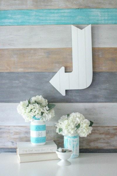 white plank arrow