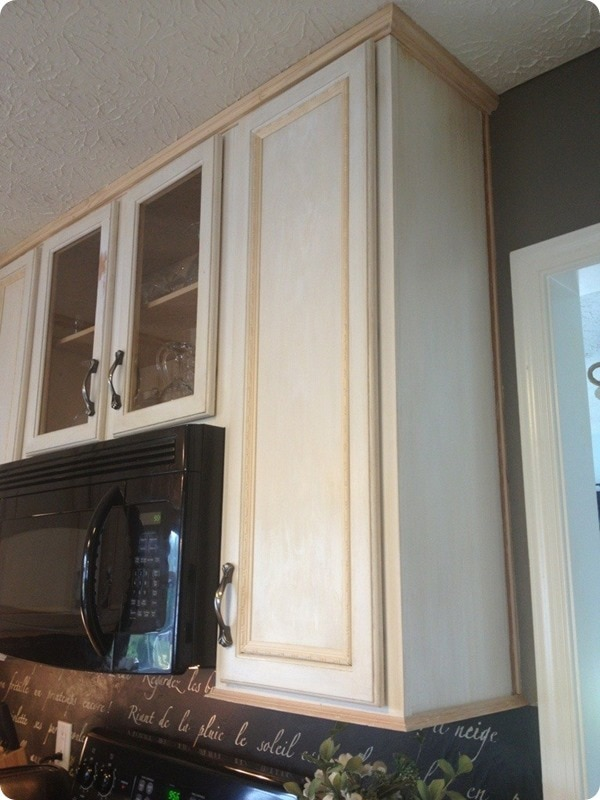 15 amazing ways to redo kitchen cabinets lovely etc for Attaching crown molding to kitchen cabinets