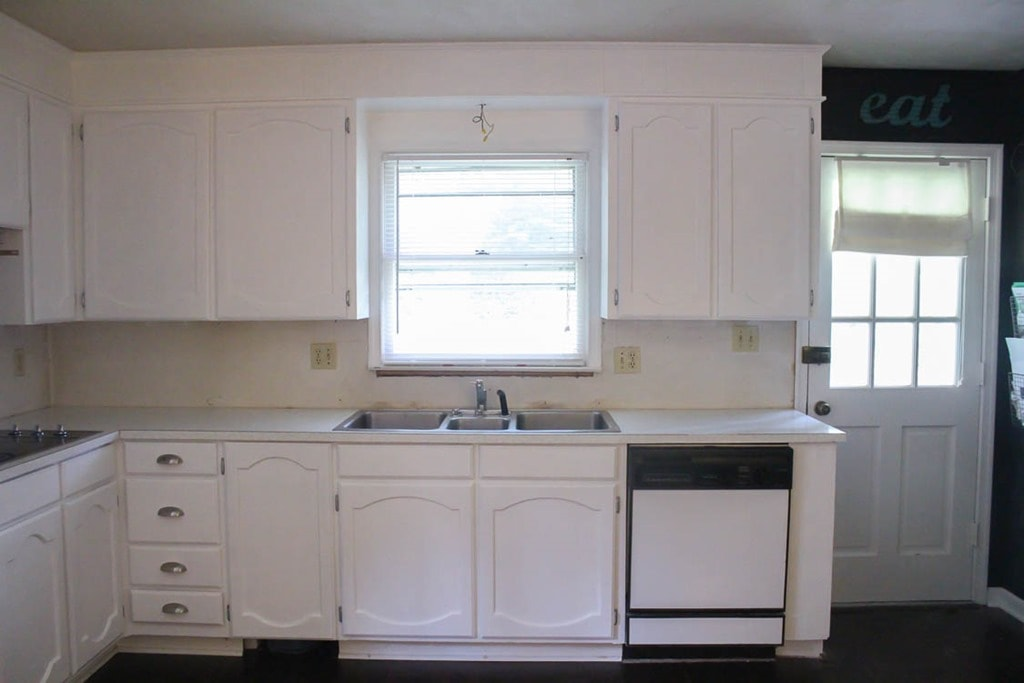 Painting Oak Cabinets White An Amazing Transformation Lovely Etc - Grey and white painted kitchen cabinets