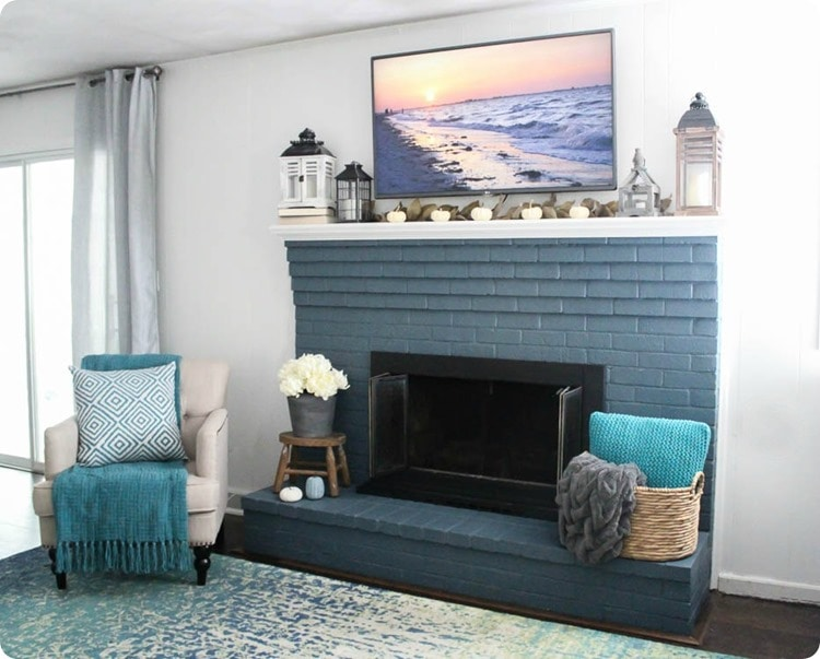 modern farmhouse mantel