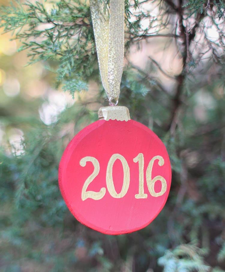 memories-christmas-ornament