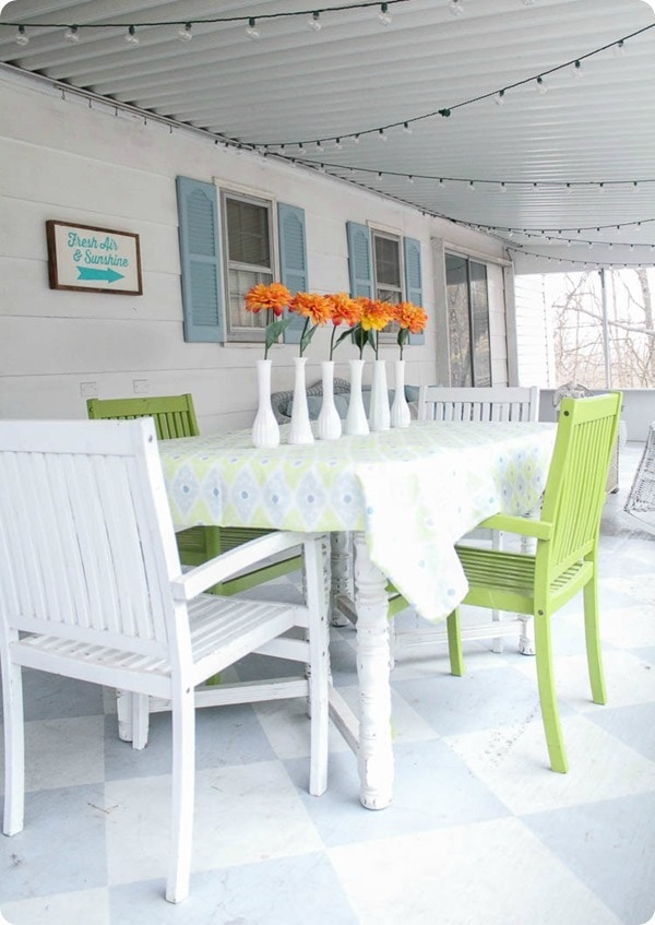 dining table on screened porch