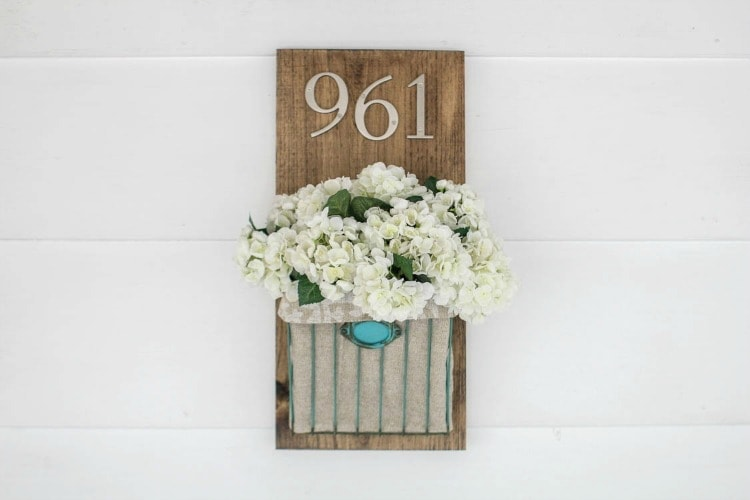 DIY house number with flowers