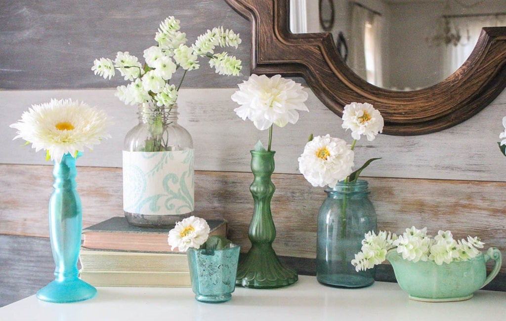 Simple Spring Decorating - Lovely Etc.