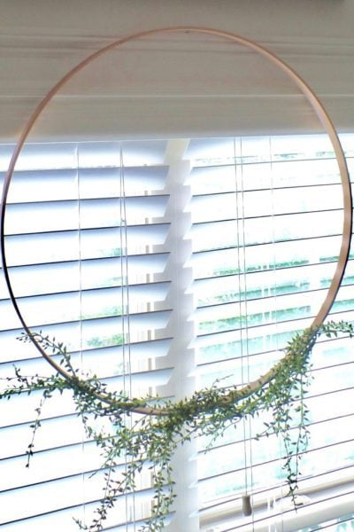 simple floral hoop wreath