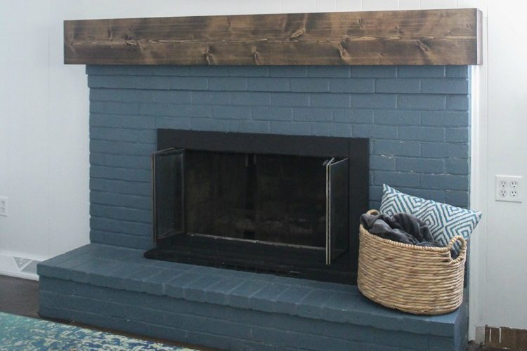 DIY rustic fireplace mantel: the cure for a boring fireplace