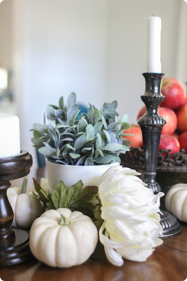 inexpensive fall decor ideas: Thanksgiving table decor, fall table decor, thrifty fall decor