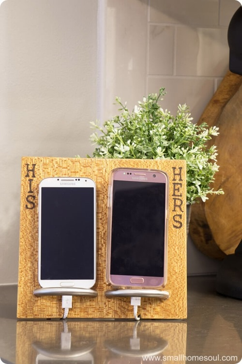 Small Soul Home Phone Charging Stand