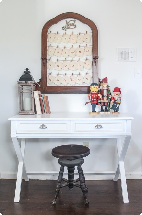 diy hanging advent calendar, reusable advent calendar