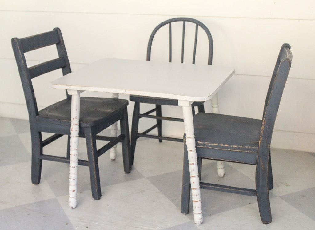 How To Paint Chairs And A Table