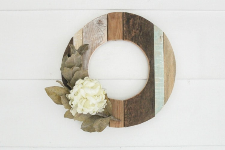 modern farmhouse wreath made from reclaimed wood