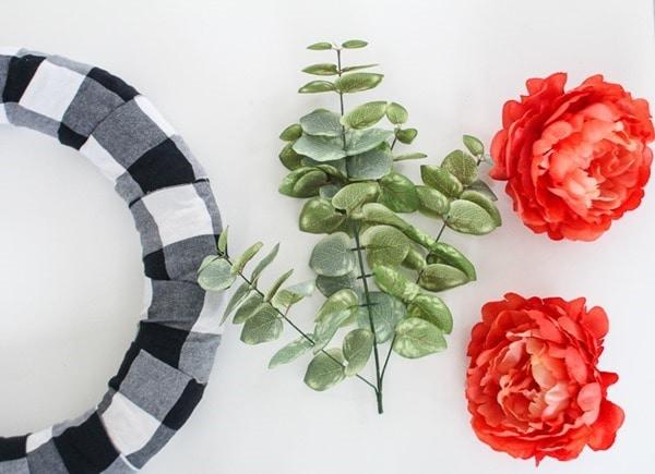 making a bufflao plaid wreath