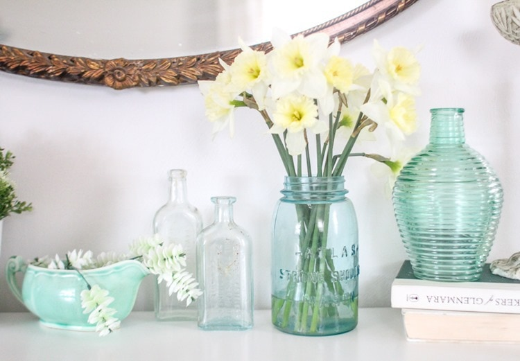 fresh daffodils for spring decor