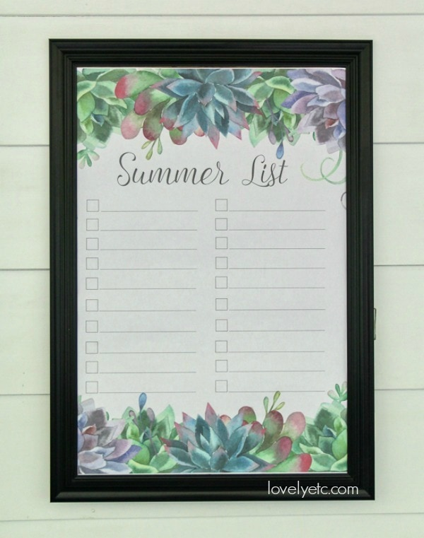 Pretty printable summer bucket list with succulent border. Just print it out and add your own bucket list. Print it in poster size or on regular copy paper.