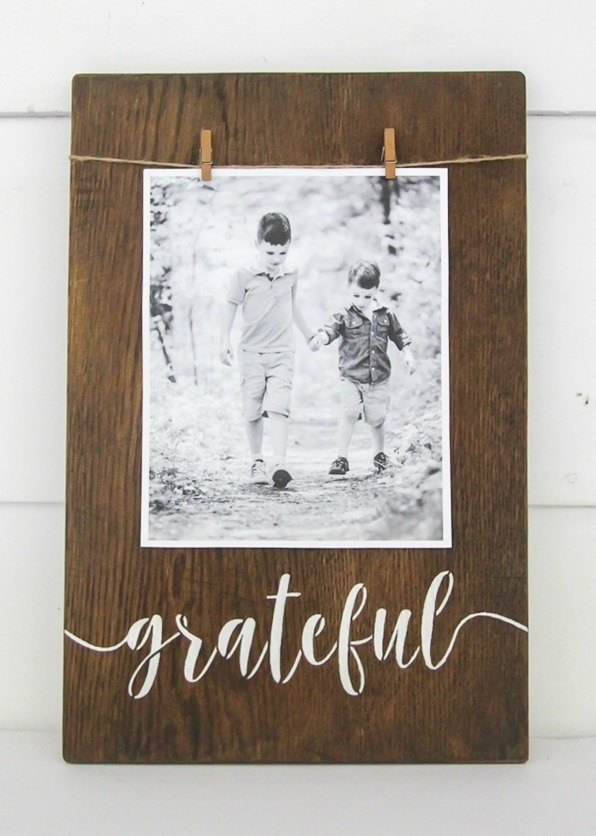 Easy stenciled photo display with grateful sign.