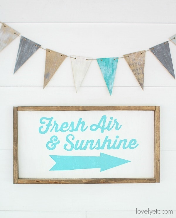 Add farmhouse style to any space with a beautiful wood banner and painted sign.