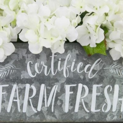 How to make a ten minute farmhouse centerpiece