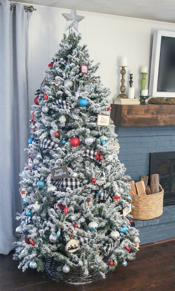 I love this Christmas tree with the plaid ribbon and red and aqua Christmas ornaments.