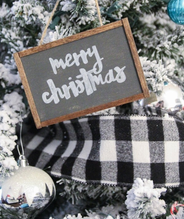 These mini sign farmhouse Christmas ornaments are adorable and so easy to make.
