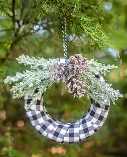 Buffalo Check Christmas Wreath.How To Make A Beautiful Buffalo Plaid Christmas Wreath