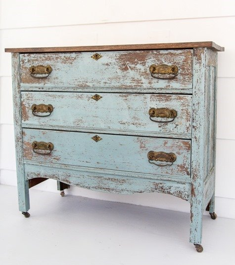 chippy dresser with old fashioed milk paint 2 (1)