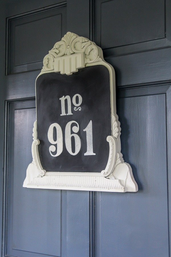 Easy DIY house number with plenty of vintage style. This upcycled house number is easy to make from a thrifted mirror or frame.