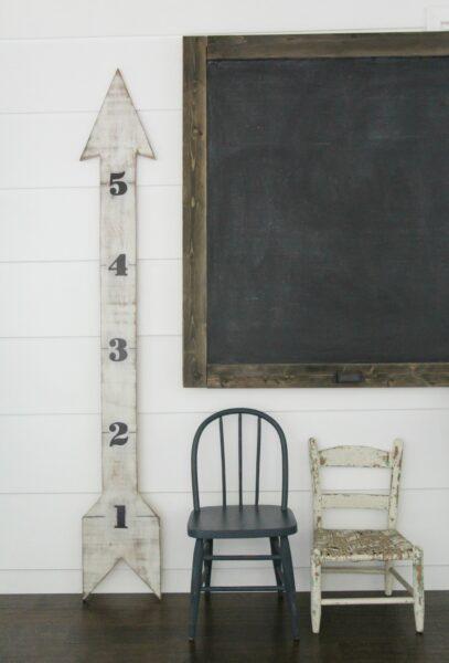 Adorable DIY wooden arrow growth chart.