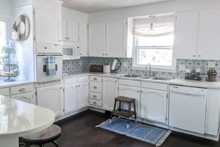 Affordable White Kitchen Cabinets Bright White Kitchen Makeover on a Budget   Lovely Etc.