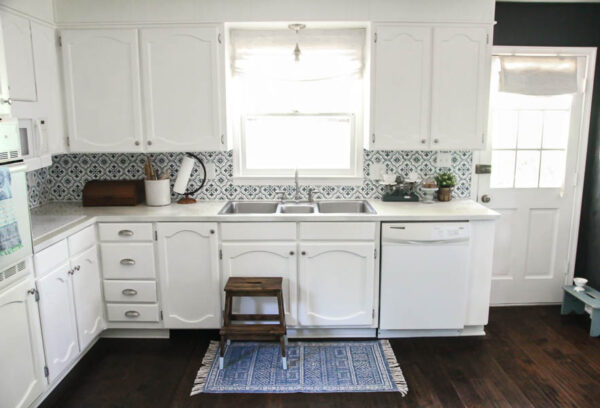 Blue and white kitchen makeover for less than $1000