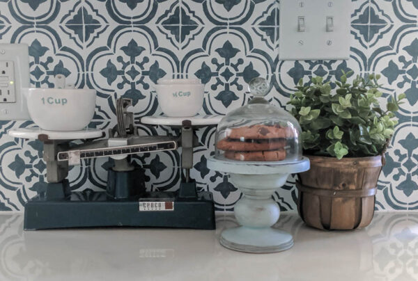 Adding modern farmhouse style to your kitchen with vintage finds and DIY projects.
