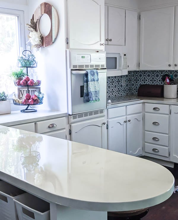 I'm sharing the good, the bad, and the ugly of my painted laminate countertops after three years of use in a busy kitchen.  Including my best tips and what I would do differently.