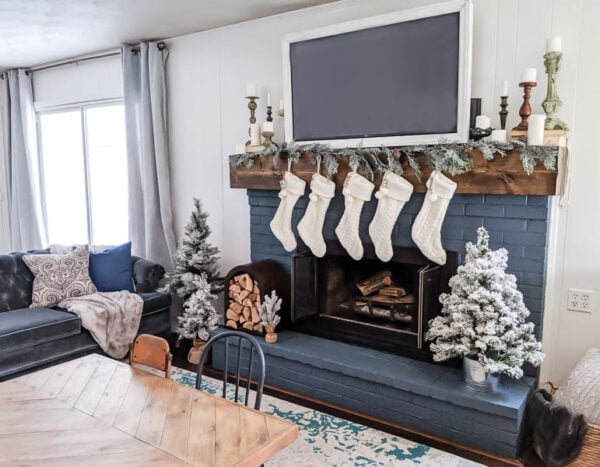 Cozy neutral Christmas mantel