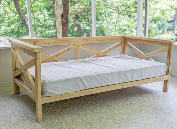 wooden daybed with twin mattress