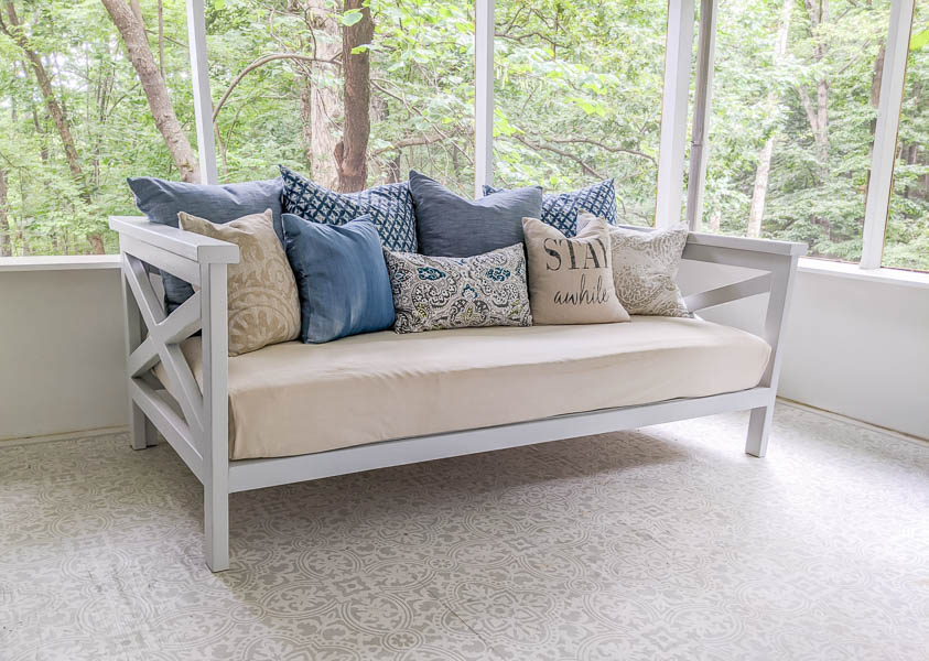 diy daybed made from 2x3 lumber.